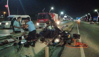 Otomobil refüje çarptı: 2 yaralı!