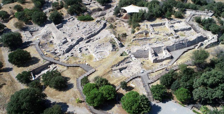Kazıların 150 yıllık geçmişini belgelerle anlatıyor