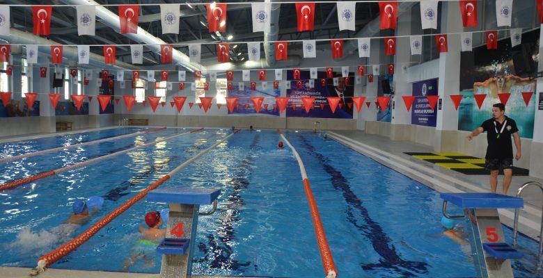 Yarı Olimpik Yüzme Havuzuna 3 haftada 700 kişi kayıt yaptırdı