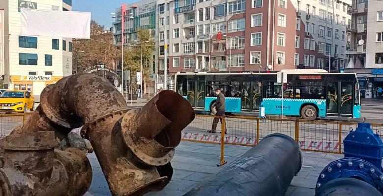 Çorlu'da sergilenen eski borular kaldırıldı